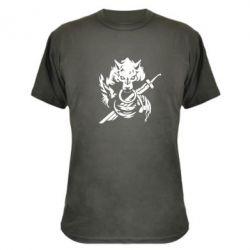 Камуфляжная футболка Волк с мечем